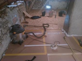 Plancher isolant technique pour grenier combles