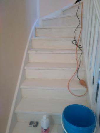 Escalier 23 marches decapage et renovation bois